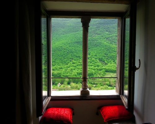 Viaggio itinerante nel cuore d'Abruzzo: esperienze a tutta natura
